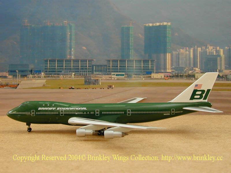 Braniff International B747-100 (N602BN), Flying Colors Dark verde, lim. lim. lim. 650 732c5c