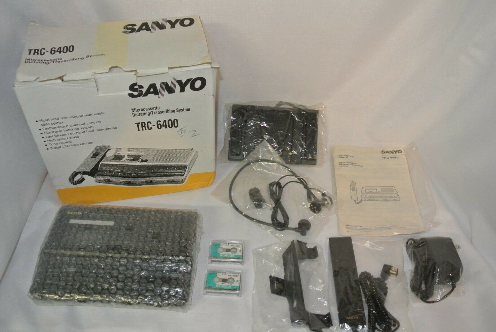 Sanyo TRC-6400 Desktop Microcassette Recorder//Transcriber with Handheld Microphone