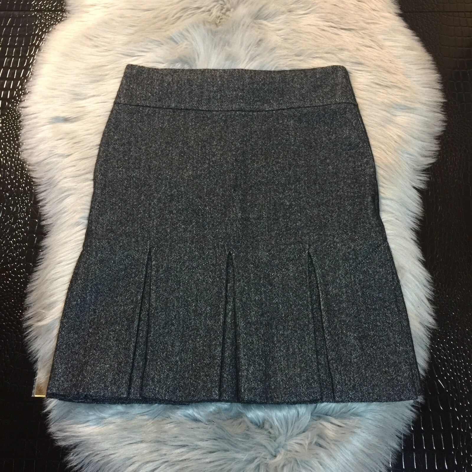 Leon Max Limited Edition Wool Cotton Blend Pleated Carrer Skirt Size 2 Sexy