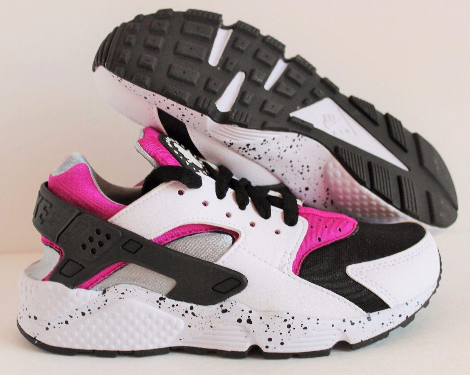 Nike Women's Hurrache Premium ID White-Mgenta-Black SZ 6  [777331-991]