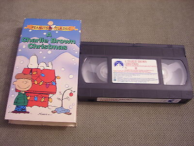 A Charlie Brown Christmas Vhs.Rare Oop Peanuts A Charlie Brown Christmas Vhs Video Snoopy Emmy Charles Schulz 97368371637 Ebay