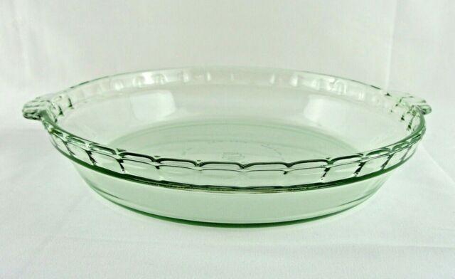"""Martha Stewart Everyday Green 9.5/"""" Fluted Pie Plate NEW"""