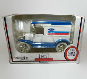 Ertl 1917 New Holland Model T Ford Die Cast Key Metal Coin Bank 1990
