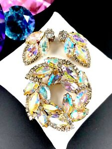 WEISS-GOLD-TONE-CRYSTAL-AURORA-BOREALIS-RHINESTONE-WREATH-BROOCH-EARRINGS-SET