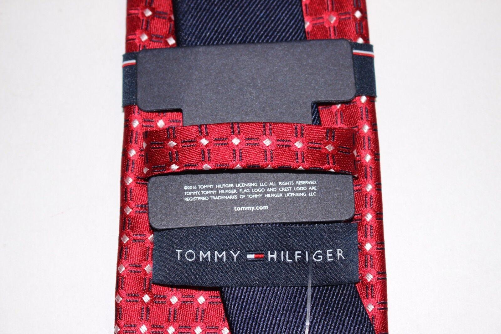 Tommy Hilfiger Mens Flag Logo Solid Skinny Tie
