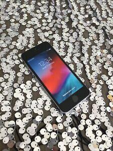 iPhone SE 128 GO noir débloqué bon état [356613082355017]