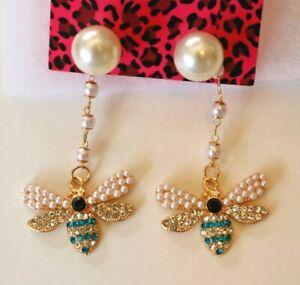 Betsey-Johnson-Crystal-Rhinestone-Enamel-Pearl-Bee-Dangle-Post-Earrings