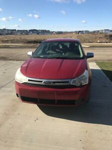 2010 FORD FOCUS SE WITH LOW MILEAGE