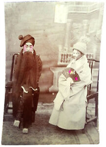 1890-China-BEIJING-OPERA-ACTORS-with-PAINTED-FACES-Hand-Tinted-Photograph