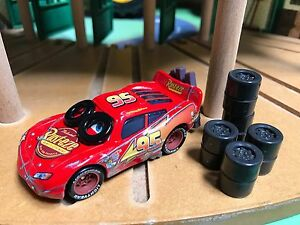 New-Disney-Pixar-CARS-Daredevil-Garage-Spin-Out-Lightning-McQueen-HTF-RARE