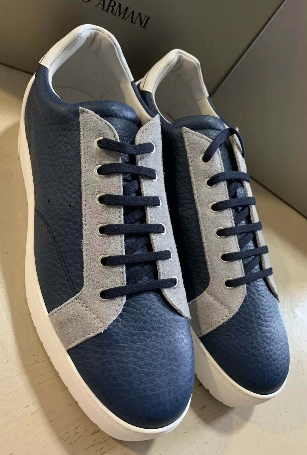 New  825 Giorgio Armani Men Leather Sneakers shoes Navy bluee 9.5 US 8.5UK X2X063