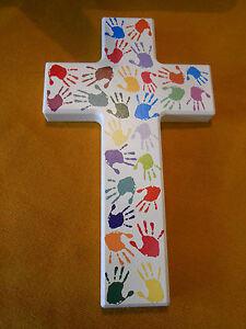 Kinderkreuz Holzkreuz weiß lackiert Motiv- Kinderhände 20 x 12 cm Geschenk
