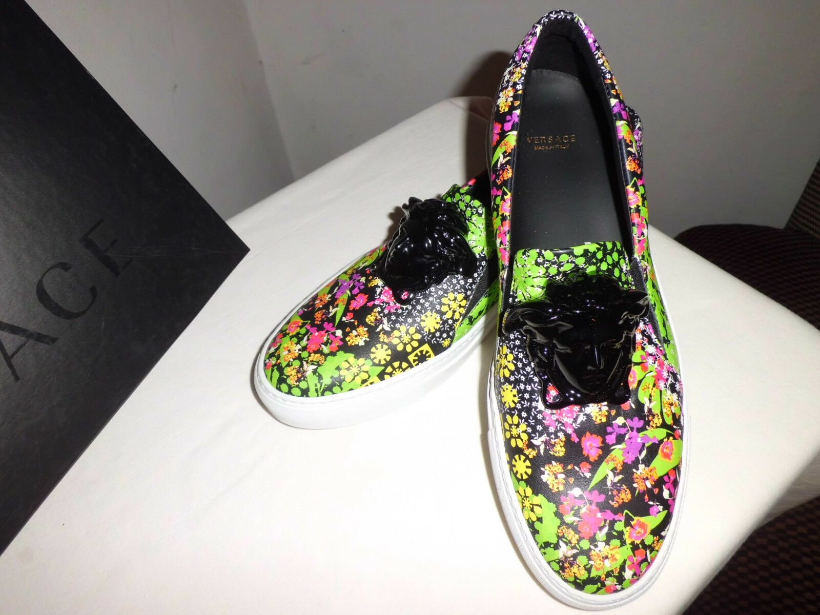 Authentic Versace Palazzo  Leather Sneakers Medusa  Multicolor  size  IT 40