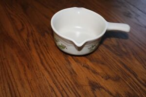 Pfaltzgraff-HEIRLOOM-Butter-Potpourri-Warmer-w-o-Base-handle-and-pour-spouts