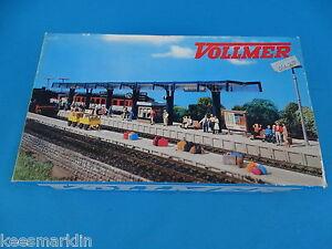 VOLLMER-3538-Station-Platform-HO-scale