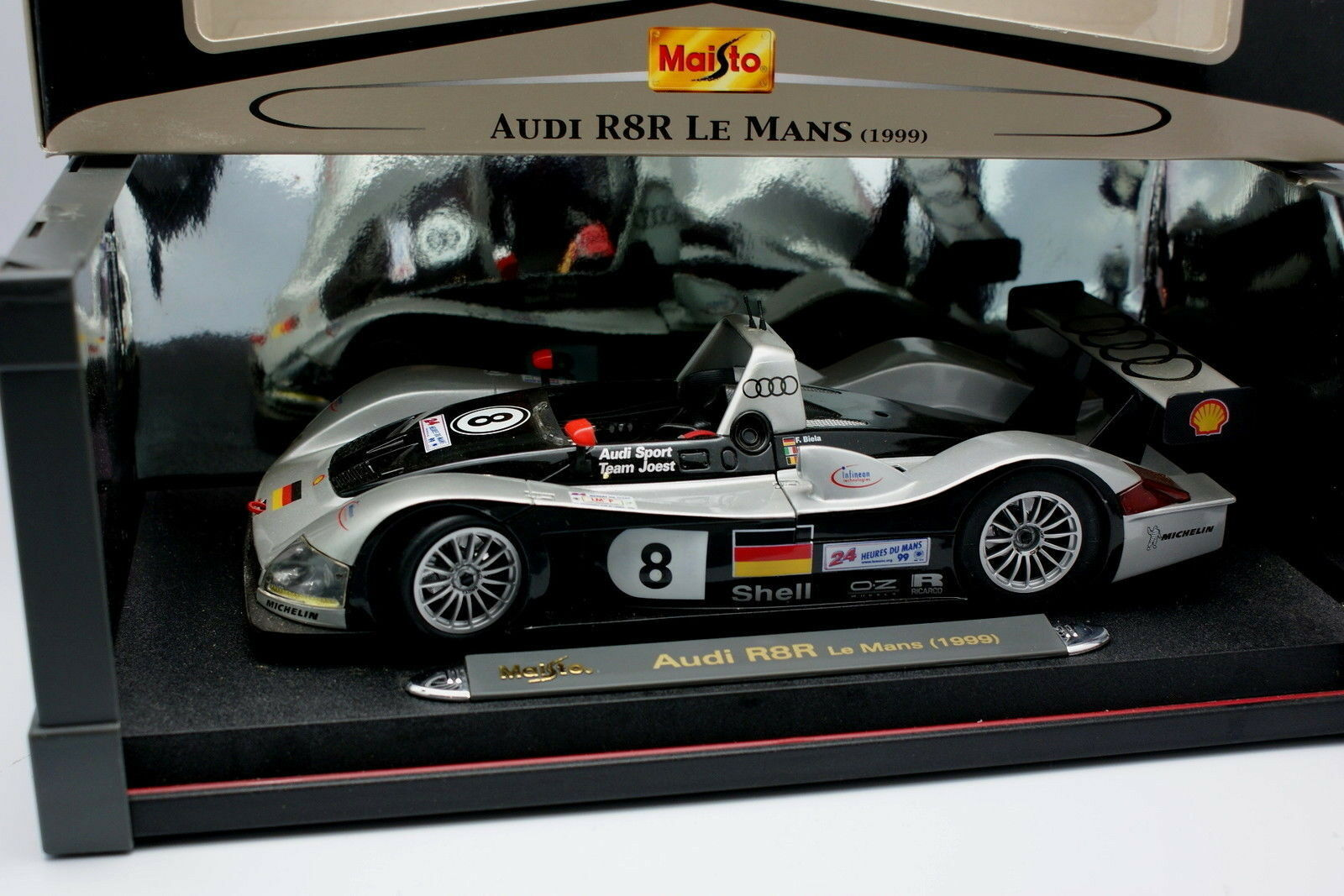 Maisto 1 18 -i R8R Le Mans 1999 N°8