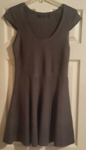 Pre-Owned-Guess-Gray-Mini-Dress-Size-L
