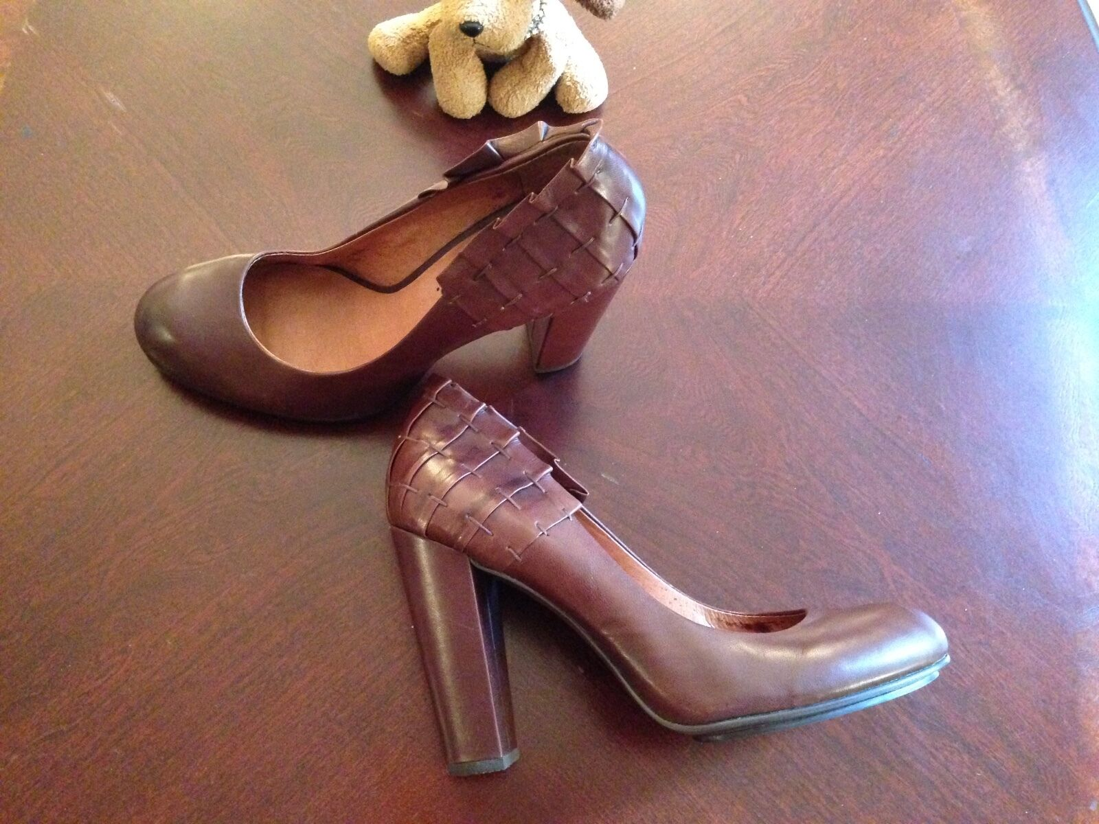 704 b PUMP (ESTHER)  WITH TEAROT RUFFLE AT AT AT HELL / ROUND TOE SIZE 38 1/2 BROWN cbbd55