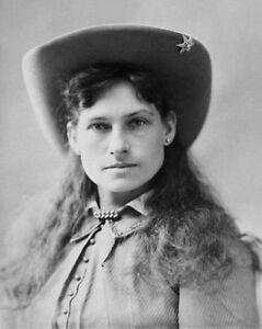 Sharp-Shooter-ANNIE-OAKLEY-Vintage-8x10-Photo-Glossy-Old-West-Portrait-Print