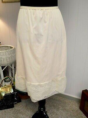 Size L Half Slip Silky Nylon Pants Skirt Petticoat Soft Wide Lacy Edge Vintage