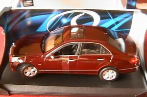 Mercedes E 350 Cdi Class Bordeaux 2009 Maisto 1/18 1:18 W212 Limousine Dark Red