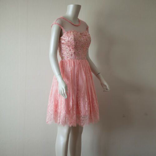 Pink Cap Sleeve Lace A-Line Mesh Overlay Fit-and-Flare Cocktail Dress// Small