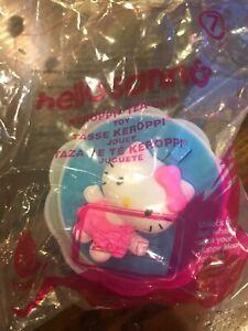 Penguin Hello Kitty Plastic Teacup .