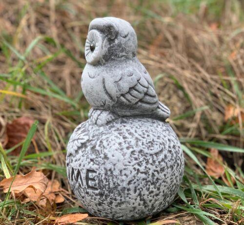 Steinfigur Eule auf Kugel Welcome Frostfest Deko Steinguss Gartenfigur Deko