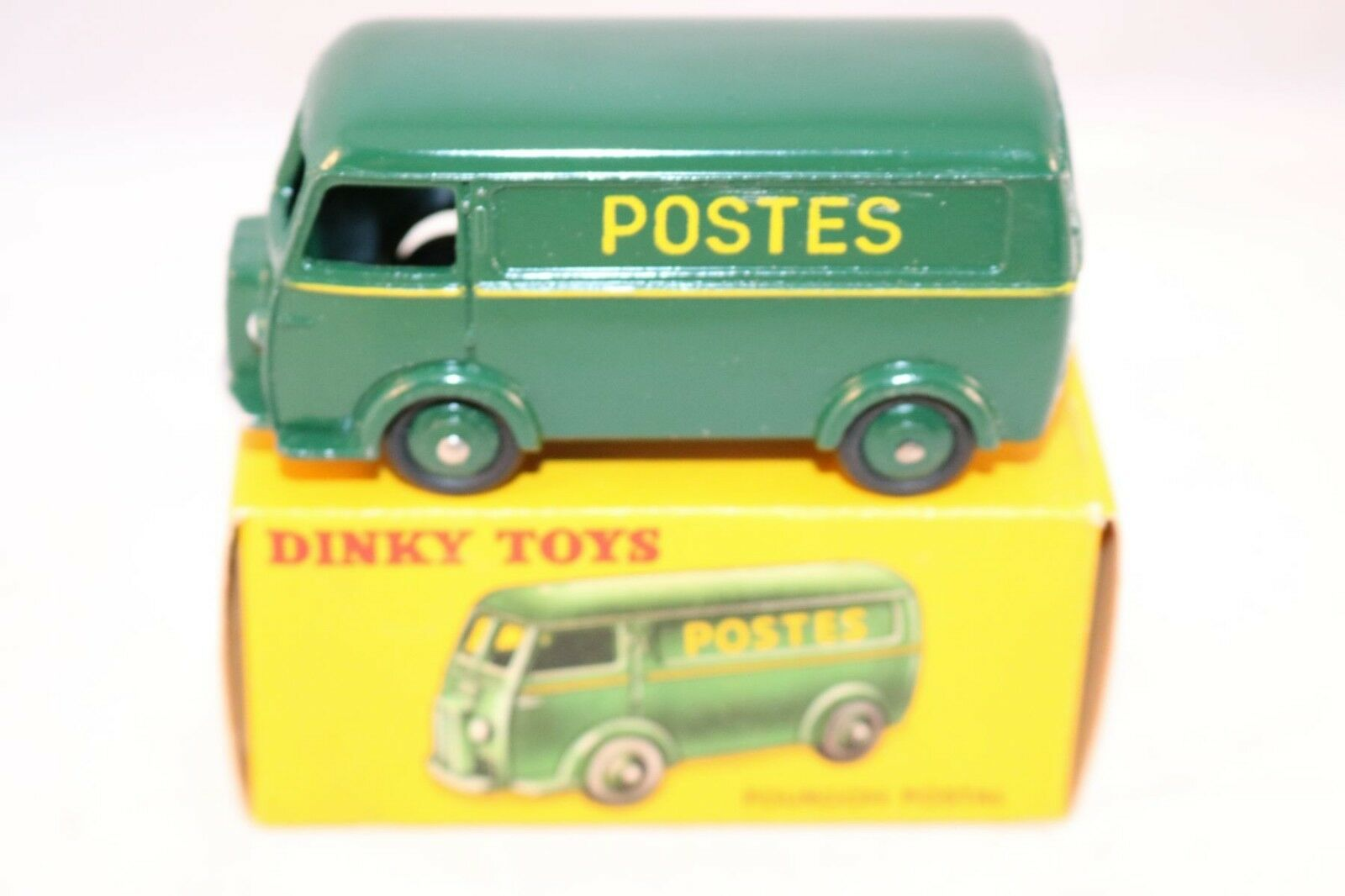 Dinky Toys 25BV Fourgon Postal mint in box all original condition