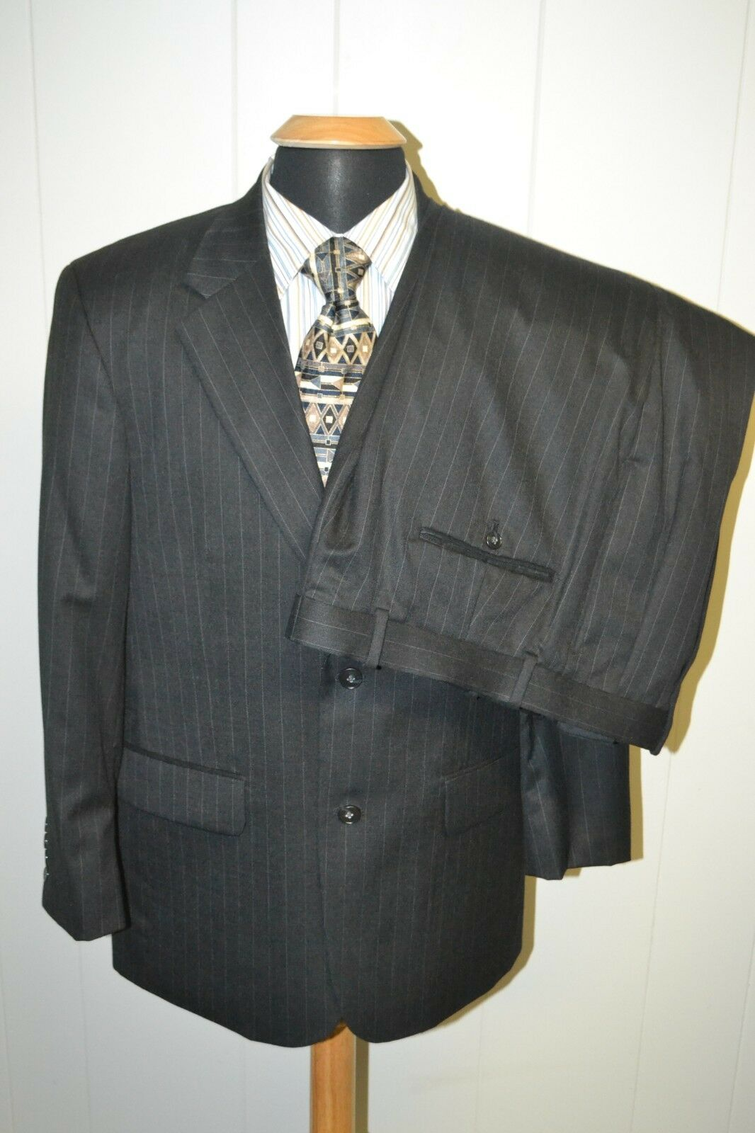 Savile Row Mens Wool Pinstriped 2 Front Button Suit Sz 40S Wst 36X30