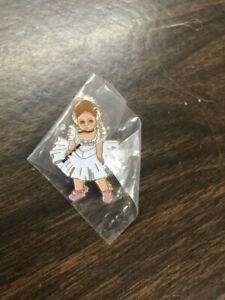 Madame-Alexander-Tippi-Pin-New-in-Package