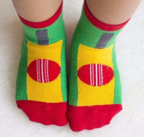 Superb New Cricket Bat /& Ball Design Children/'s Socks,Ages 1-2,2-4 /& 5-7@ £3.95p