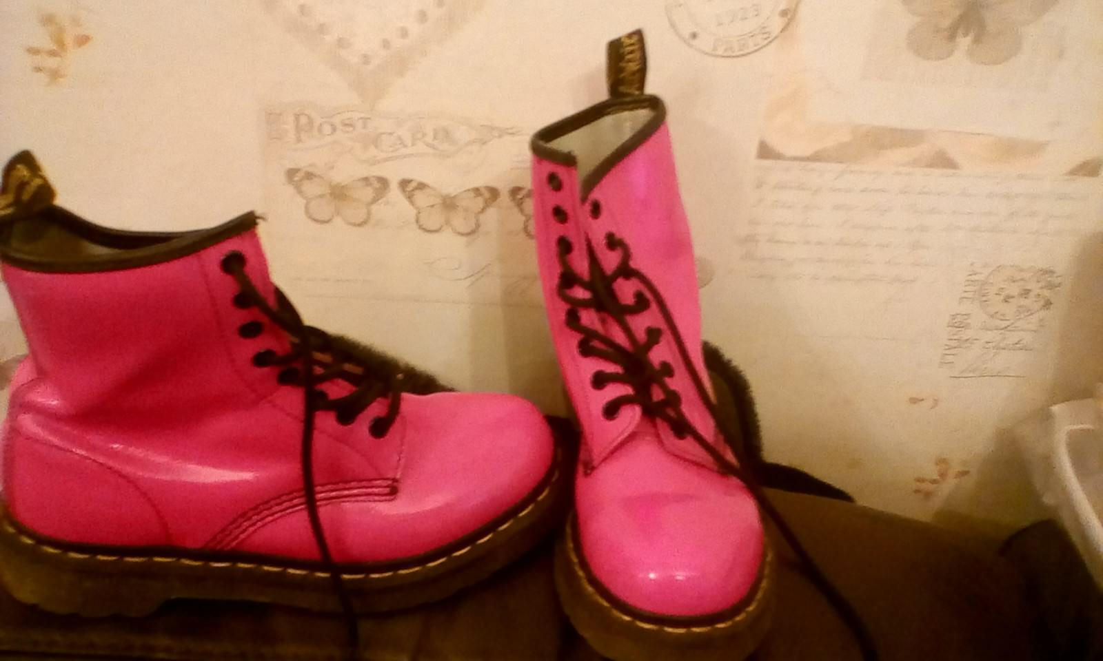 DR DOCTOR MARTENS AIR WAIR PINK RUBBER BOOTS LIGHTLY UNBOXED USED UK SIZE 4 UNBOXED LIGHTLY 5eaf2e