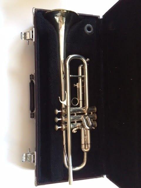 Blessing XL Silber Trumpet w case