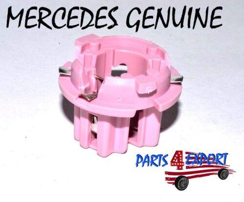 NEW Mercedes CL500 CL65 S430  W210 W215 W220 Taillight Bulb Socket 210 826 00 82