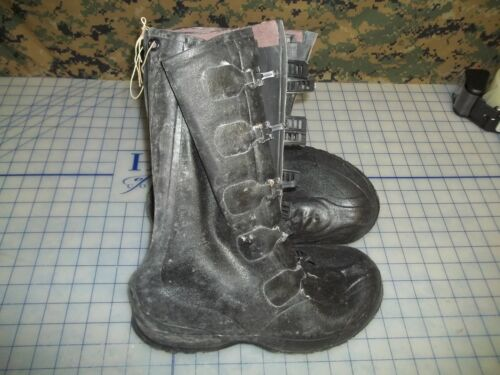 military over boots rubber bata 5 buckle size 7 new made in the USA USGI