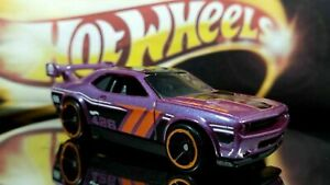 Hot Wheels Dodge Challenger Drift Car 2010 Metallic Purple 426 HEMI HOOD