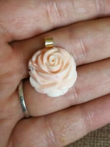 Vtg-Natural-angelskin-carved-coral-rose-solid-9ct-gold-necklace-pendant-only