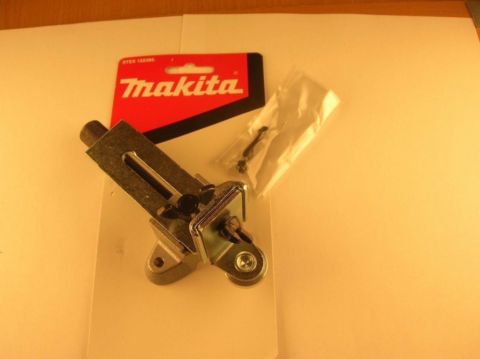 Genuine Makita STEX122385 Trimmer Guide for The RT0700C