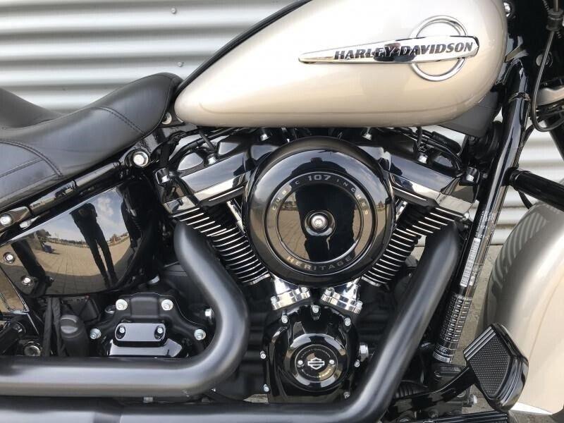 Harley-Davidson, FLHCS Heritage Classic, ccm 1745