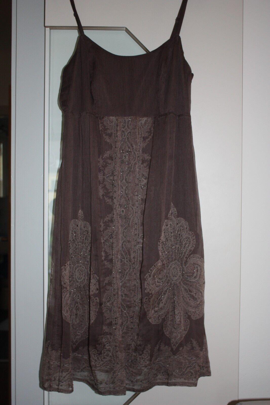 95437e5cc12 Hondrocream ist die Schnellste Wunderschönes Abendkleid ESPRIT ESPRIT ESPRIT  mit Perlenverzierung und schönem Paisleymuster 24b87c