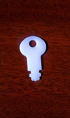 6//Pack San Jamar N01 Dispenser Key for T400 Series Centerpull Dispensers