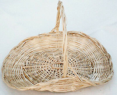 The Natural Look WICKER TRUG DISPLAY//FLORAL BASKET.Small-33 x 25cms