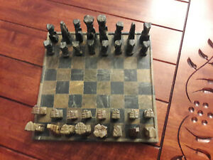 Antique Hand Carved Soapstone Chess Set Du Kenya, Afrique 1960 Vintage-afficher Le Titre D'origine