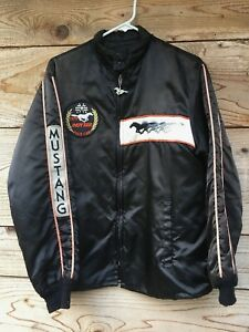 Vintage-Indy-500-old-Ford-Mustang-auto-racing-Pace-Car-silk-jacket-1979-Medium