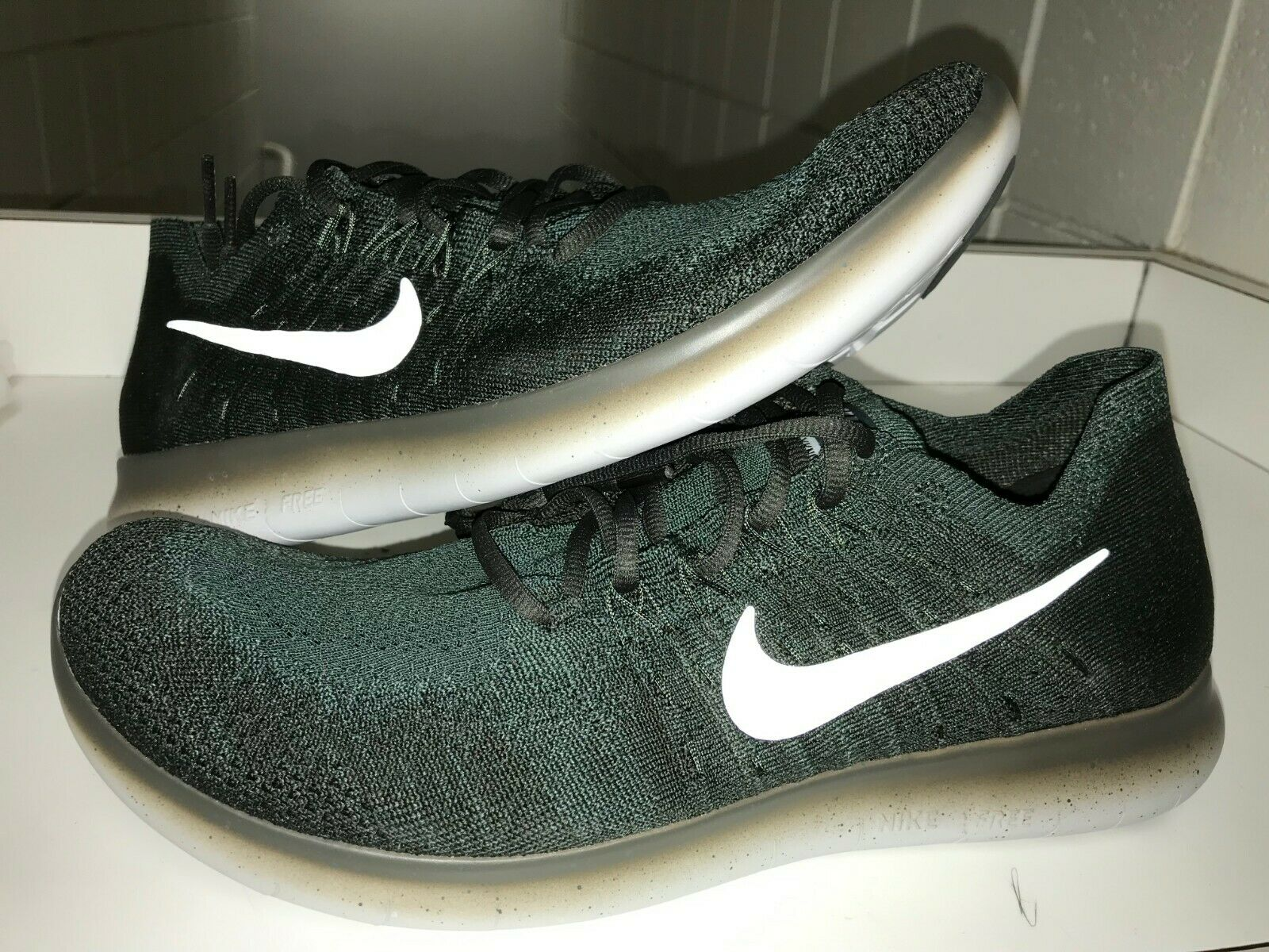 New Nike Men Free RN Flyknit 2017 Running shoes Vintage Green Sequoia 880843-300
