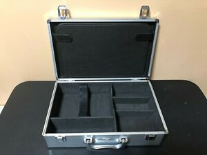 Nintendo-Wii-Carrying-Case-Intec-Pro-Gamer-039-s-Aluminum-Case-Excellent-Condition