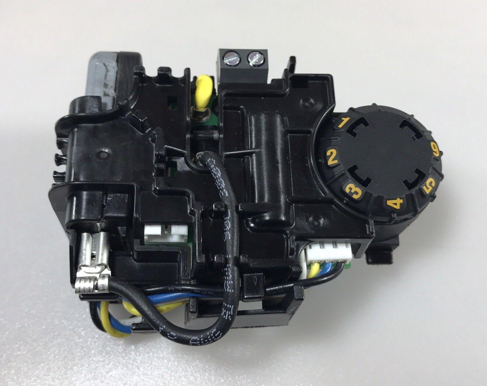 Dewalt DWP611 Compact Router 120V  Module Speed Dial