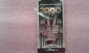 DISNEY-STORE-COUNTDOWN-TO-THE-MILLENNIUM-42-THE-CHAIN-GANG-PLUTO-PIN