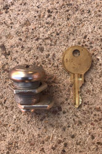 Top Lock Key lock #217 Ultravend /& Vendstar 3000 Machine